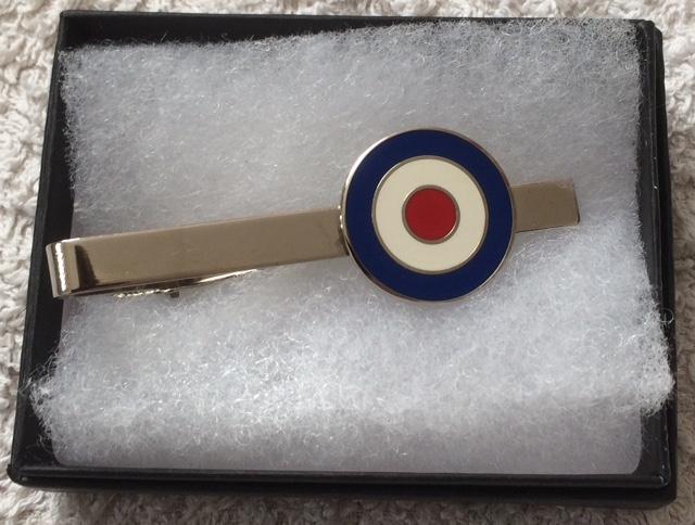 Round target tie clip