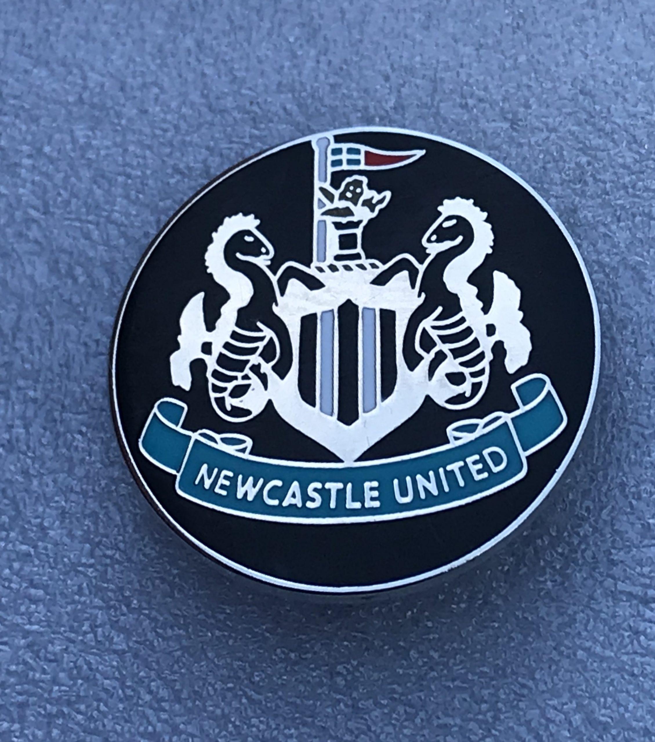 Newcastle United - Round Crest Design (5) - The Brummie ...